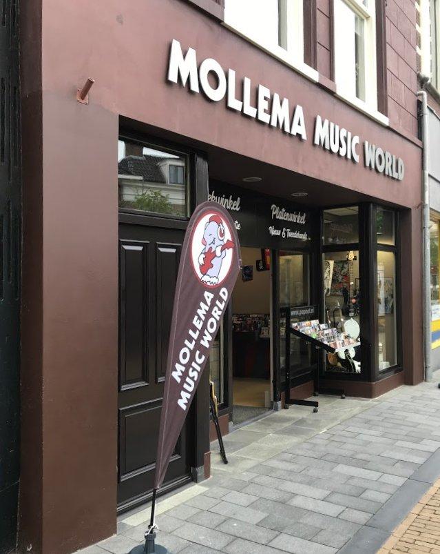 Mollema Music World op Voorstraat 11 in 2021.